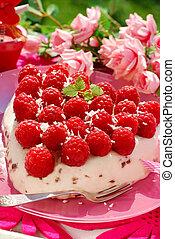 raspberry cake in heart shape - fresh raspberry cake with...
