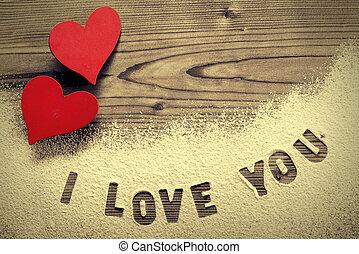 Written in icing sugar : I love you