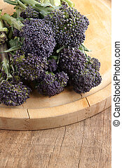 púrpura, Brotar, bróculi