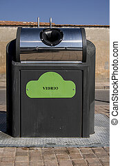 Garbage containers, processing industry and separation of plastic, cardboard and organic waste in Spain