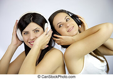 Friendship is listening music together