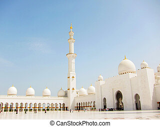 The Grand Mosque with blue sky - Outside of Sheikh Zayed...
