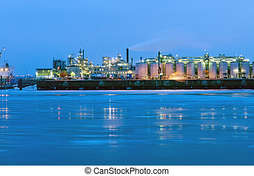 Industry at the river Elbe