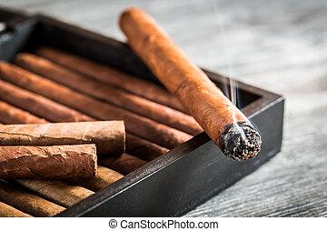 abrasador, cigarro, Humo, viejo, humidor