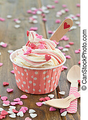 Frozen Yogurt with sugar hearts - Frozen Yogurt with...
