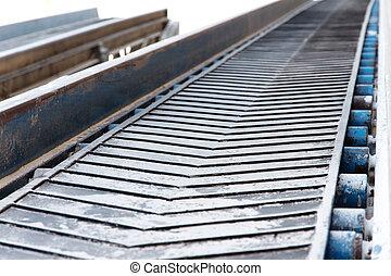 Rubber conveyer belt