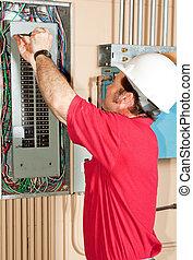 maestro, electricista, trabajando