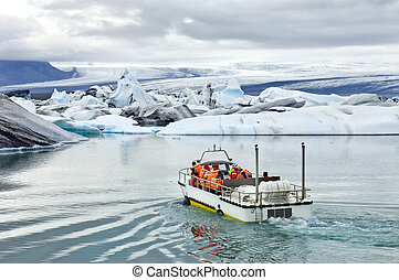 Jokulsarlon Amphibious tour - An amphibuous vehicle taking...