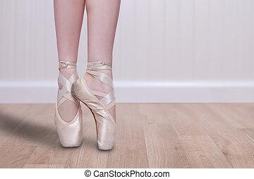 perfecto, ballet, bailarín, En, Pointe, con, copia,...