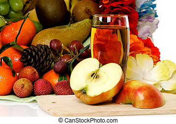 Fruit basket, apple juice - Seasonal varied tropical fruit...