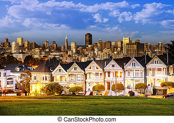 Alamo Square at twilight - The Painted Ladies of San...