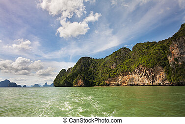 Phang Nga 5 - KOh Phanak and the green waters of Phang Nga...