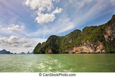 Phang Nga 5 - KOh Phanak and the green waters of Phang Nga...