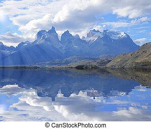 Cuernos del Paine mountains. Torres del Paine National park....