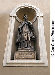 St Thomas Aquinas - Statue of St Thomas Aquinas in...