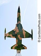 warplane monument - Air Force warplane monument, Problic...