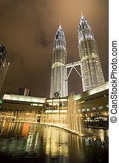 Petronas Twin Tower - Petronas twin tower in Kuala Lumpur,...