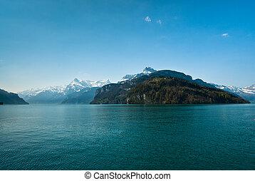 mountains at lake lucern