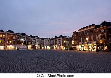 De markt van 's-hertogenbosch - Zonsopkomst op de markt van...