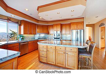 Luxuriant kitchen design - Wood rich kitchen room with...
