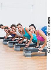 exercício, passo, classe, aeróbica, condicão física