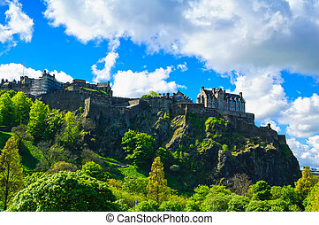 Edinburgh old town on the rocks, Scotland, Uk - Edinburgh...