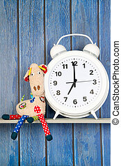 Stuffed animal giraffe and clock for bedtime - Stuffed...