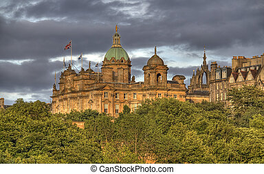 Edinburgh in Evening Sunlight - Buildings of old Edinburgh...