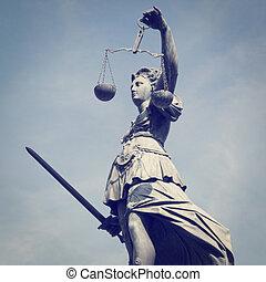 senhora, justiça