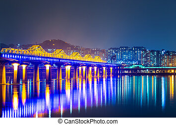 Bridge across han river in Seoul