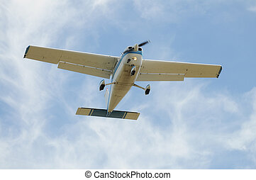 Light plane - Small airplane flying overhead, Palo Alto,...