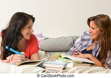 feliz, compañeros de clase, aprendizaje, dorimitorio