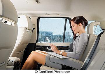 ejecutivo, mujer de negocios, coche, trabajo, Tacto, tableta
