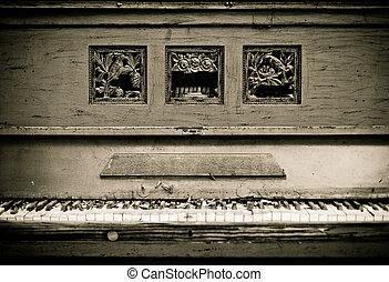 Old vintage piano - Broken old, vintage piano at the street