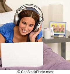 adolescente, surfando,  laptop, menina,  Internet