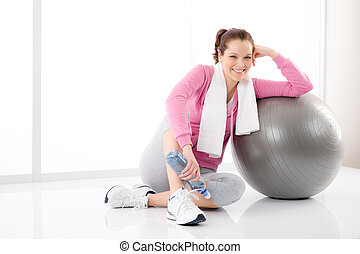 Fitness woman relax water bottle ball sportive - Fitness...