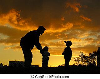 pai, crianças, pôr do sol