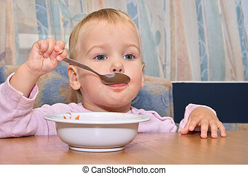 baby eat with spoon