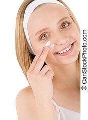 mujer, Adolescente,  facial, aplicar, cuidado, crema