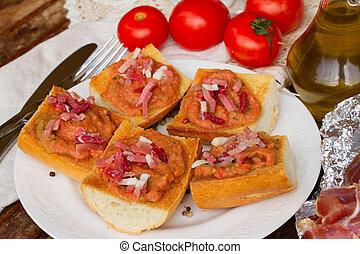 placa, tomates,  jamon,  bread