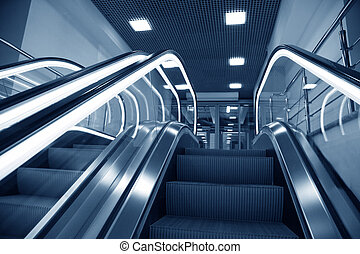 escalators 3