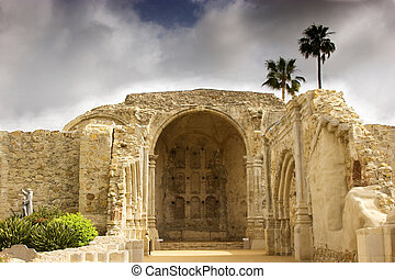 Mission San Juan Capistrano Stone Church - Ruins of Great...