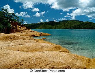 Whitsunday Islands, turquoise bay and rocks