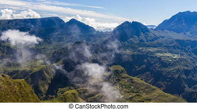 Formation of clouds, 4K - its the cirque de cilaos on la...