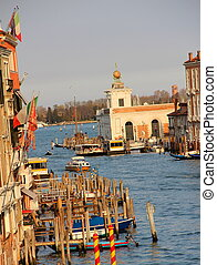 canales de venecia - hermosa vista de un canal de venecia