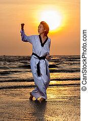 taekwondo, treinamento, pôr do sol