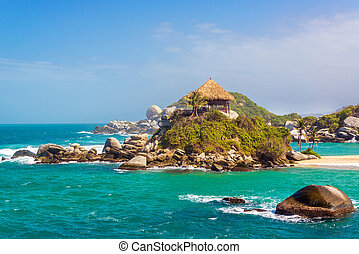 Beautiful Tayrona Beach - Turquoise water and beach shack at...
