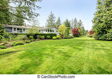 Beautiful farm house backyard - Amazing farm house backyard...