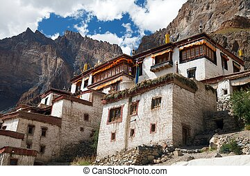 Lingshed (Lingshet, Lingshot) gompa - buddhist monastery in...