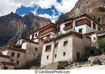 Lingshed (Lingshet, Lingshot) gompa - buddhist monastery in...